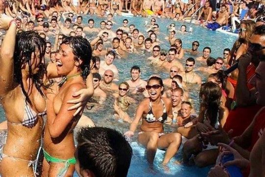 CHAMPAGNE SPRAY POOL PARTY